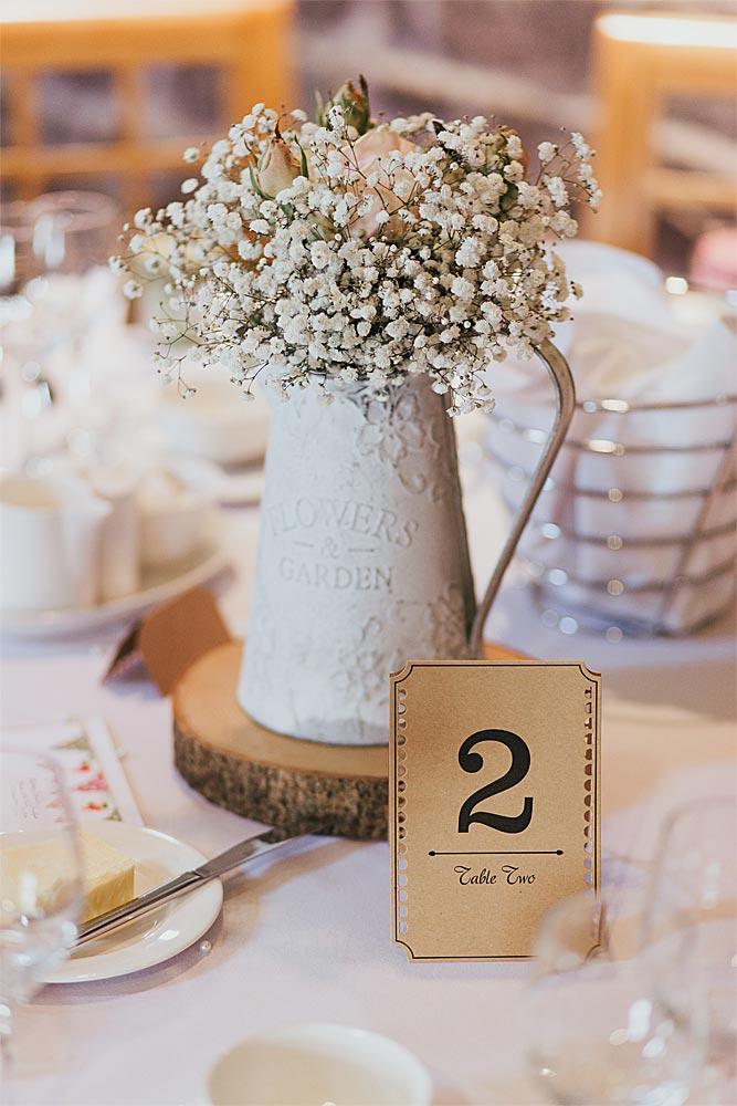décoration de mariage et porte-menu